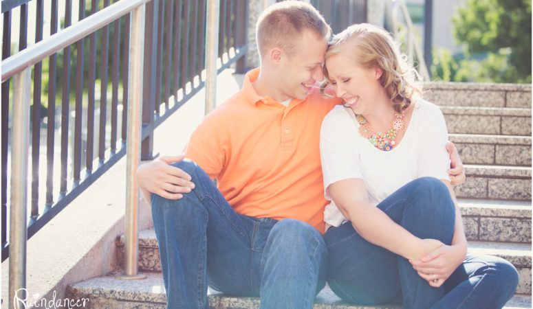 Amanda+Tyler  – Indianapolis Engagement Photographer