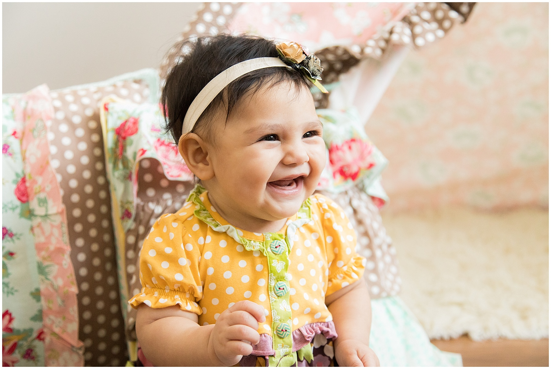 6 month old smiling. Indianapolis Baby Photographer